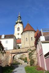 Aufgang zu Karner und Stadtpfarrkirche in Hartberg