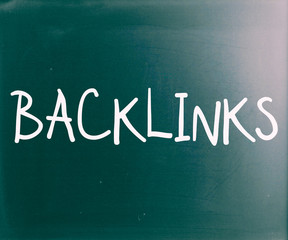 "The word ""Backlinks"" handwritten with white chalk on a blackboar"