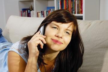 Frau telefoniert #1