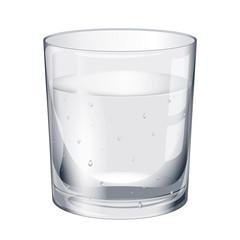 Verre d'eau plein