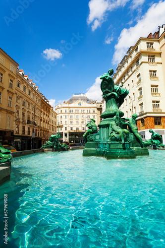 Leinwanddruck Bild Donnerbrunnen fountain and monuments