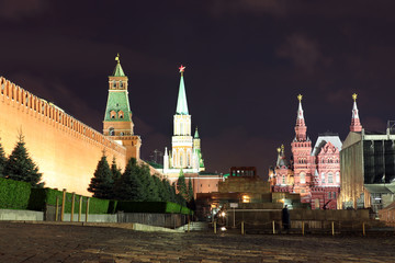 Kremlin wall, Senate tower, Nikolskaya tower, Historical museum