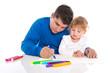 Kinderbetreuung Vater und Tochter - kreativ beim Malen