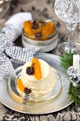 Orangen-Parfait mit Zitruskompott