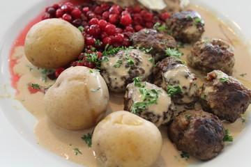 boulettes de viande, assiette suédoise, Suède
