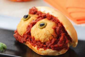 Panino per Halloween decorato