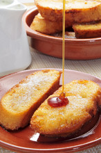 Torrijas, typowy hiszpański deser na Wielki Post i Wielkanoc