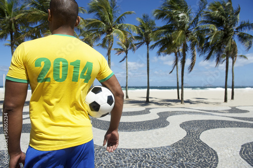 Brazilian soccer player football 2014 shirt Brazil colors Rio