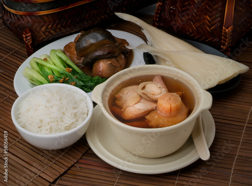 abalone and herb soup, Chinese food style