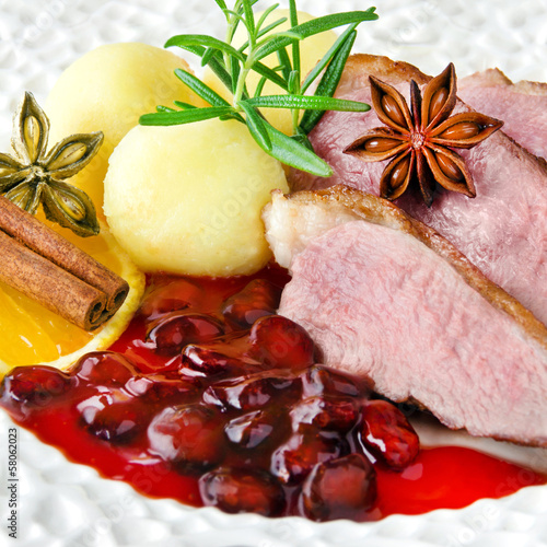 Entenbrust - Barbarie  - mit Cranberry sauce