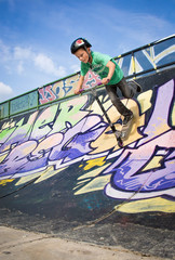Skate park : scooter rider