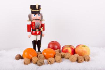 Weihnachtsstimmung mit Nussknacker aus dem Erzgebirge