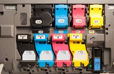 Tonerkartuschen eines Farb-Laserdruckers