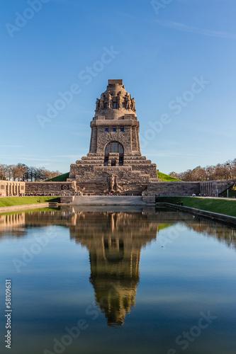Leinwandbild Motiv Völkerschlachtdenkmal zu Leipzig im Herbst