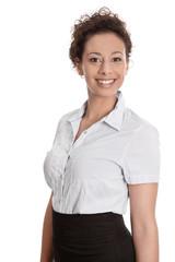 Adrett gekleidete junge Frau im Portrait - Rock und Bluse
