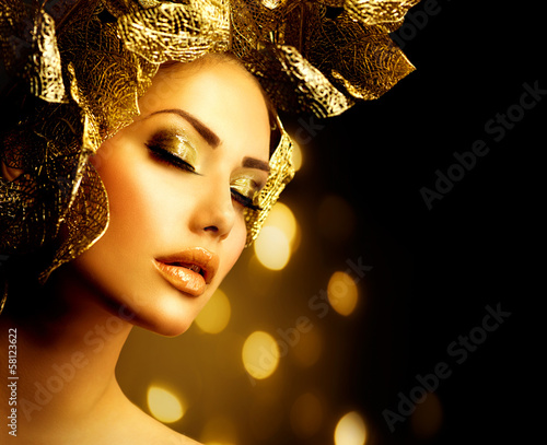 Fashion Glamour Makeup. Holiday Gold Make-up