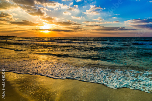 Fototapety, obrazy : Dubai sea and beach, beautiful sunset at the beach