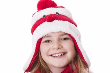 Mädchen mit weihnachtlicher Mütze