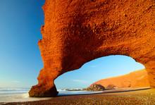 Archs rouges sur la côte Atlantique. Maroc