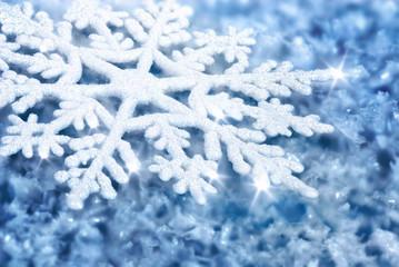 Blauer Hintergrund mit Schneeflocke