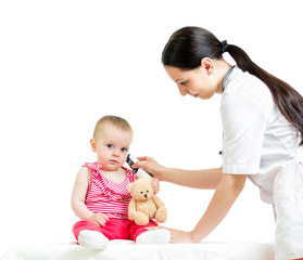 doctor measuring  temperature baby girl