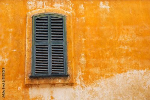 Leinwanddruck Bild Ciutadella Menorca wooden shutter window