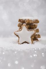 Zimtsterne im Schnee Silber
