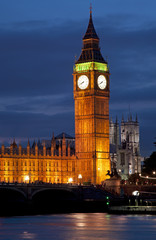 Big Ben clock tower and house of parliament in london at night