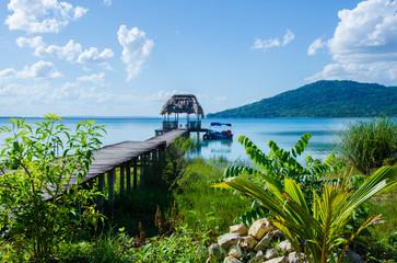 Steg am See von Peten - Flores