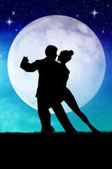 couple dancing in the moonlight