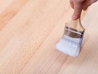 varnishing of surface of beech table top
