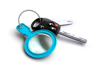 Car keys with pink blue magnifying glass keyring