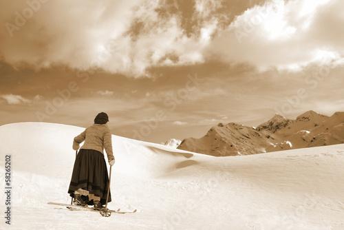 Female Skier - 58265202