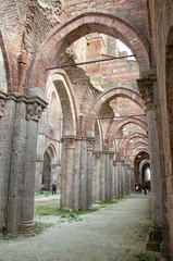 Veduta interna dell'Abbazia di San Galgano - Toscana