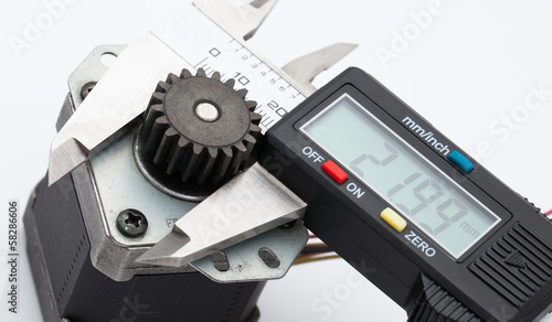 Electronic caliper measure size of gear