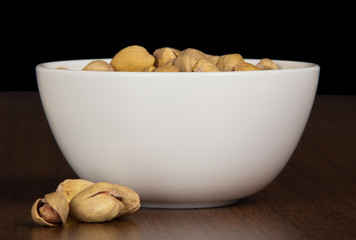 Dry salted pistachio in bowl
