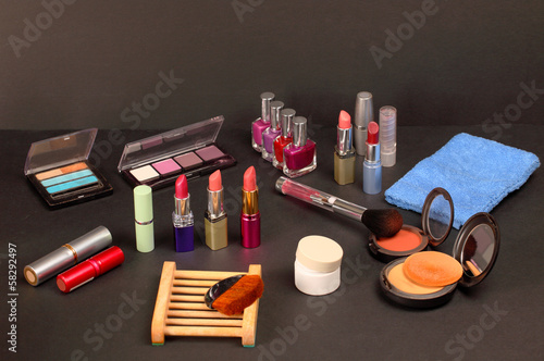 Cosmetic shelf with beauty care items