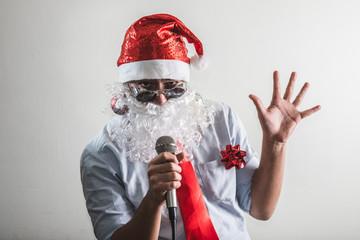 funny santa claus babbo natale singing