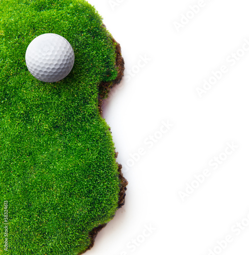Staande foto Golf Golf ball on green grass field.