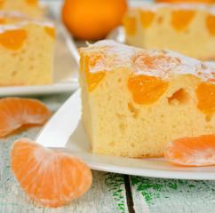 Cake with mandarin oranges