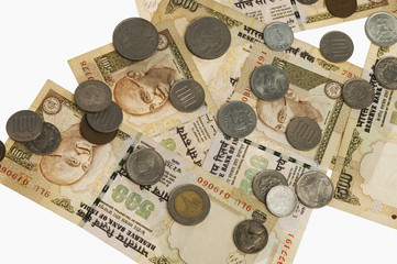 Coins of various countries on Indian five hundred rupee notes
