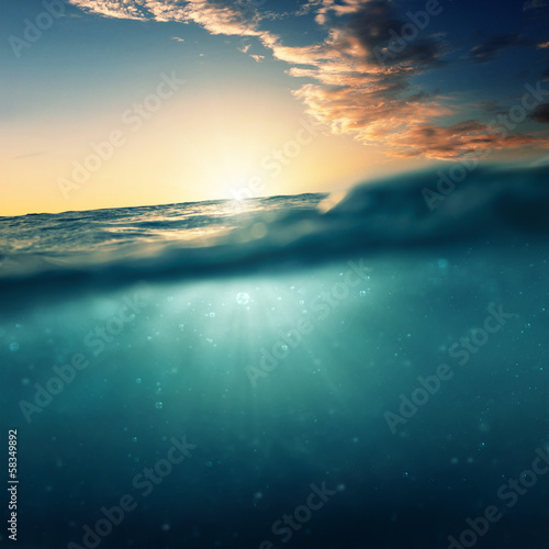 Deurstickers Water Underwater Sundown