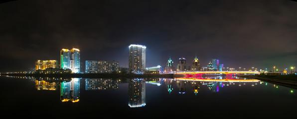 Астана, ночная панорама набережной