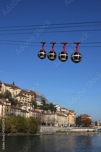 Les bulles au dessus de l'Isère - 58353472