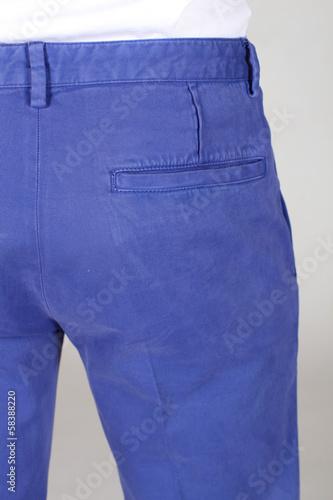 pantaloni blu