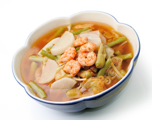 hot and sour curry with tamarind sauce, shrimp and vegetables (k