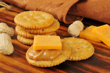 Crackers iwth peanut butter and cheese