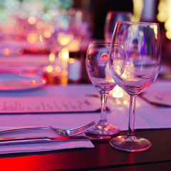 Bokeh background of table in restaurant