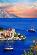 voile dans les îles grecques. Symi. Dodécanes