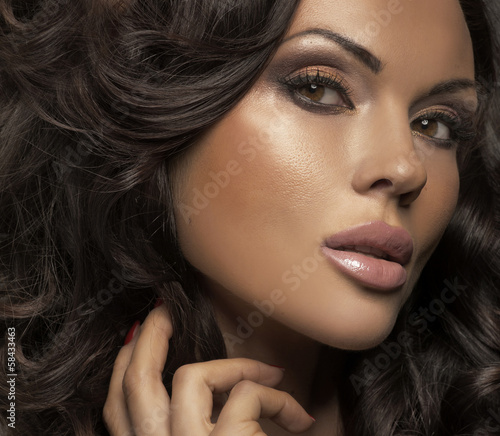 Great portrait of brunette lady with clear complexion